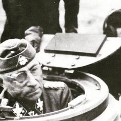 "Ritterkreuzträger SS-Ogruf. Paul ""Papa"" Hausser as kdr. of II.SS-PzCorps before Unternehmen ""Zitadelle"" in summer 1943 in cupola of Pz.IV"