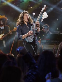 Cade Foehner - American Idol finalist Cade Foehner performs during Hollywood Week's Showcase round Brent Smith Shinedown, Lauren Alaina, 19 Kids And Counting, Celebrity Moms, Music Icon, Pop Singers, Find Picture, American Idol, Grace Kelly
