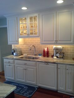 Subway Tile Backsplash Granite Countertop Design Ideas, Pictures, Remodel and Decor