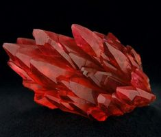 Beautiful Rhodochrosite from N'Chwaning Mine, Northern Cape Province, South Africa. photo:@proper_gems Geology Wonders