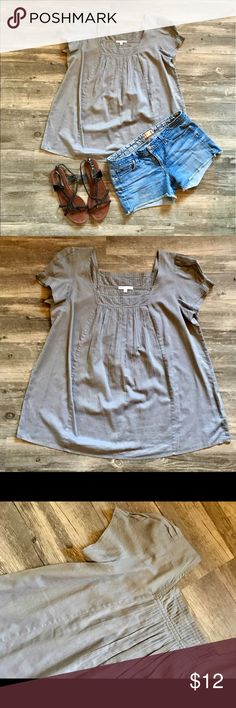 Gap Gray Pleated Boho Top Soft and lightweight Gap Pleated Top. Perfect for summer with cut offs and sandals. EUC! Bundle two or more listings and save 20%! GAP Tops Blouses