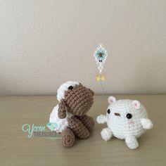 A good day for flying kites. #bear #sheep #crochet #crocheted #handmade #craft #amigurumi #kawaii #yarntreasures #yarnart #followme #あみぐるみ #かわいい by yarntreasures