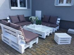 Garden furniture made from pallets Pallette Furniture, Pallet Furniture Designs, Pallet Garden Furniture, Outdoor Furniture Plans, Couch Furniture, Furniture Ideas, Pallet Seating, Pallet Benches, Pallet Tables