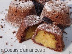 Dans la série chocolat/amandes, voici les petits gâteaux au chocolat aux coeurs d'amandes ! Bien que possédant déjà une bonne pile de recettes chocolat/ama