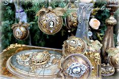 Christmas Balls Decorations, New Years Decorations, Christmas Bulbs, Merry Christmas, Table Decorations, Iron Orchid Designs, Orchids, Decoupage, Photo Wall