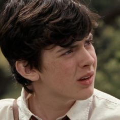 Edmund Narnia, How To Look Pretty, How To Look Better, Skandar Keynes, Edmund Pevensie, William Moseley, Aesthetic People, Renaissance Dresses, Chronicles Of Narnia