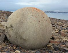 Small spherical concretions on Champ Island, Franz Josef Land