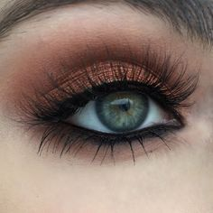 Stunning look to make your light eyes pop! Created by the sweet & talented Heidi Makeup Artist using Makeup Geek's Flame Thrower, Peach Smoothie, Cocoa Bear and Frappe eyeshadows along with Immortal gel liner to top off the look. Click to see how to recreate this look in just SIX EASY STEPS!:
