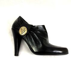 GUCCI Black Boot Bootie Hysteria Leather Crest Gold Medallion Logo Ankle  202939  Gucci  Booties f8e66abf74c
