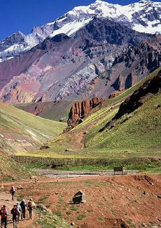 Los Andes, Mendoza, Argentina Next trip? Mendoza, Oh The Places You'll Go, Places To Travel, Places To Visit, Temple Maya, Ecuador, Chile, Andes Mountains, Argentina Travel