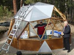 geodesic dome solar greenhouse for growing vegetables Dome Greenhouse, Greenhouse Growing, Greenhouse Ideas, Permaculture, Yurt Home, Geodesic Dome Homes, Wooden Greenhouses, Dome House, Tiny House Movement
