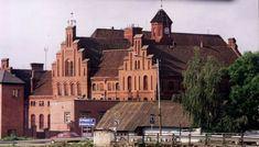 Экскурсия по замкам Калининградской области Mansions, House Styles, City, Modern, Home, Trendy Tree, Manor Houses, Villas, Ad Home