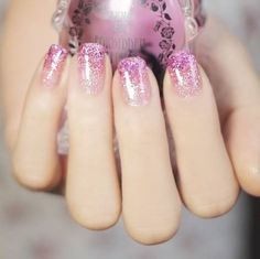 gradient glitter nails from silver to pink