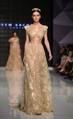 The FashionBrides is the largest online directory dedicated to bridal designers and wedding gowns. Find the gown you always dreamed for a fairy tale wedding. Haute Couture Dresses, Couture Fashion, Runway Fashion, Fantasy Gowns, Gala Dresses, Formal Dresses, Mode Inspiration, Beautiful Gowns, Dream Dress