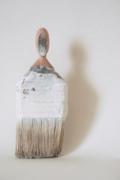 Rebecca Szeto created the series 'Paintbrush Portraits', melting old brushes with miniature portraits. Paint Brush Art, Paint Brushes, Art From Recycled Materials, Miniature Portraits, Magritte, Art For Art Sake, Whittling, Old Master, Women In History