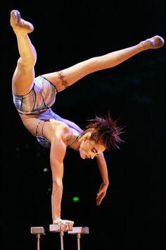 Cirque du Soleil è un circo senza animali. Talenti eccezionali per un vero spettacolo!! BOICOTTA i circhi con animali: non insegnare a tuo figlio che la sofferenza è uno spettacolo! ********** Cirque du Soleil is a circus without animals. Exceptional talents for a real show !! BOYCOTT circuses with animals: do not teach your child that suffering is a show!