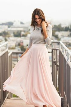 jolie robe en rose pale et blouse grise femme, collection printemps été 2016 pour les femmes modernes