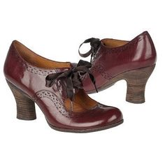 Super-cute, vintagey pumps - Fashion For Giants