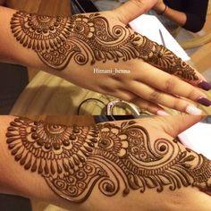 Top Simple Mehndi Designs - Easy-Peasy Yet Beautiful! Henna Tattoo Designs Simple, Back Hand Mehndi Designs, Latest Bridal Mehndi Designs, Mehndi Designs Book, Indian Mehndi Designs, Mehndi Designs 2018, Stylish Mehndi Designs, Mehndi Designs For Beginners, Mehndi Designs For Girls