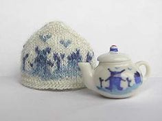 Crochet Toys, Knit Crochet, Holland, Blue Onion, Tea Cozy, Dollhouse Accessories, Mini Things, Blue China, How To Make Tea