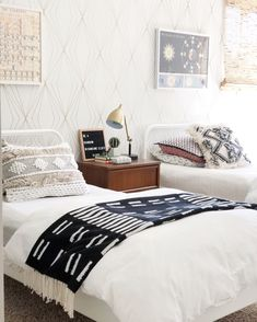 Cozy and Comfortable Twin Girls Bedrooms Decor for Your Choice - Page 43 of 69 - Diaror Diary Wholesale Home Decor, Twin Girl Bedrooms, Twin Girls Bedroom Decor, Online Home Decor Stores, Girl Bedroom Designs, Bedroom Design, Furniture, Home Decor, Home Decor Furniture