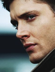 MY EDIT supernatural my stuff dean winchester Jensen Ackles Im sorry i had to spnedit his face is a masterpiece Dean Winchester Supernatural, John Winchester, Jensen Ackles Supernatural, Winchester Brothers, Supernatural Fandom, Jared Padalecki, Smallville, Supernatural Wallpaper, Supernatural Background