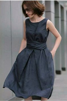 Pure Linen Sleeveless Pleated Boat Neck Dress