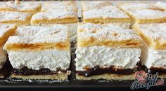 Frieze cake from tin alla Petra- Friesentorte vom Blech alla Petra A shortcrust pastry cake, vanilla-flavored quark-whipped cream filling and a refreshing plum-jam topping. Petra, Oreo Dessert Recipes, Cake Recipes, Pasta Recipes, Short Pastry, Plum Jam, Gateaux Cake, Shortcrust Pastry, Pastry Cake