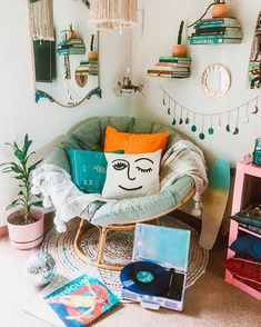 Dekoration Wohnung – 20 cozy bedrooms right in time for winter – Dorm room ideas Deco Studio, Room Goals, Aesthetic Rooms, Home And Deco, New Room, House Rooms, Apartment Living, Apartment Bedrooms, Cozy Apartment