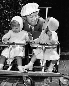 James Stewart takes his twin daughters, Judy and Kelly, for a stroll.Oh Jimmy, didn't know you had twins too. Hooray For Hollywood, Golden Age Of Hollywood, Vintage Hollywood, Hollywood Stars, Classic Hollywood, Hollywood Lights, Hollywood Glamour, Classic Movie Stars, Classic Movies
