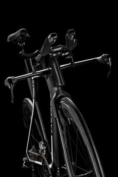 canyon melds the details to design fully integrated triathlon road bike