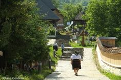 Visit Maramures or the 'land of wood', an original travel destination from Romania you should visit at least once in your lifetime. Romania Tours, Stuff To Do, Things To Do, Visit Romania, Original Travel, Travel Magazines, Medieval Town, Best Vacations, Walking Tour
