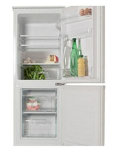This brand new free standing fridge freezer comes with 1 year parts and labour warranty, finished in pure white. Features frost free technology, and manual controls. Good value.