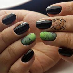 Abstract nail art, Fall nails 2017, Fall nails trends, Green and black nails, Ideas of dark nails, Matte nails, Nails ideas 2017, Short nails 2017