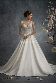 Mon Cheri Bridal offers wedding dress collections from designers like Martin Thonburg, Sophia Tolli, & more. Find your perfect Spring 2019 wedding dress! Elegant Wedding Dress, Wedding Dress Styles, Dream Wedding Dresses, Wedding Gowns, Trendy Wedding, 2017 Wedding, Lace Wedding, Wedding Cakes, A Line Bridal Gowns