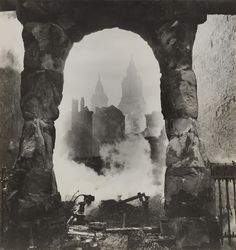 Cecil Beaton, St. Paul's seen through a Victorian Shopfront, 1940. Gelatin silver print. Santa Barbara Museum of Art, Gift of Mrs. Ala Story. ©  The Cecil Beaton Studio Archive at Sotheby's, currently on view at Santa Barbara Museum of Art. http://sbseasons.com/datebook/cecil-beatons-londons-honourable-scars-photographs-of-the-blitz/2016-09-20/ #sbseasons #sb #santabarbara #SBSeasonsMagazine #SBArt #SBMA #CecilBeaton #SBphotography To subscribe visit sbseasons.com/subscribe.html