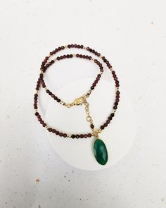 Garnet and Green Onyx Gemstone Necklace. FREE SHIPPING Garnet Necklace, Gemstone Necklace, Beaded Necklace, Green Onyx, Jewelery, Perfume, Gemstones, Free Shipping, Pendant