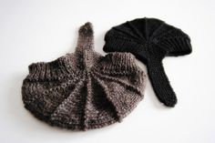 Adorable baby caps  #knit #knitted #yarn #handmade #craft #ravelry