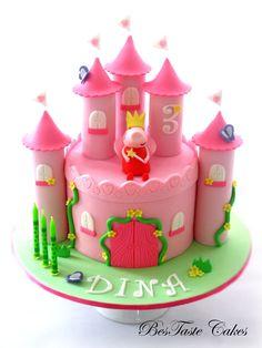 Peppa pig castle cake   Flickr - Photo Sharing!