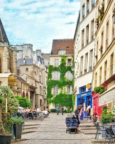 Rue des Barres, Paris, França: Guia para encontrar as ruas mais bonitas da cidade de Love (incluindo Rue Cremieux, Rue des Barres, Rue Nicolas Flamel) e muito mais!