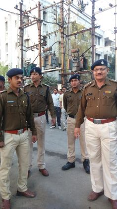 The Policeforce who worked day in n day out to make #jioindoremarathon successful... #Indore