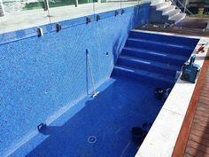 Laticrete Australia Conversations: Gold Coast Pool Project Quarry Tiles, Stone Tiles, Epoxy Grout, Thin Brick, Portland Cement, Physical Properties, Epoxy Coating, Glass Mosaic Tiles