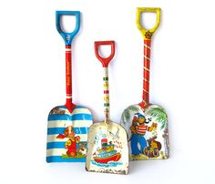 Tin Sandbox Shovels - INSTANT COLLECTION - Set of 3 Tin Toy Shovels