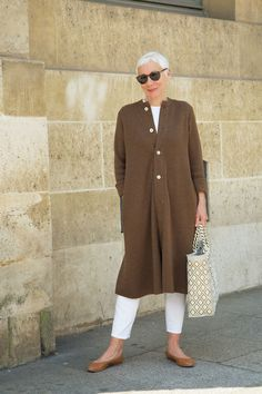 Best Fashion Tips For Women Over 60 - Fashion Trends Mature Fashion, Older Women Fashion, Fashion For Women Over 40, 50 Fashion, Plus Size Fashion, Fashion Trends, Fashion Online, Fifties Fashion, Fashion Videos