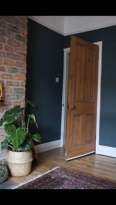 Living Room Colors, Formal Living Rooms, Farrow And Ball Inchyra Blue, Blue Hallway, Dining Room Hutch, Dining Rooms, Snug Room, Edwardian House, Victorian