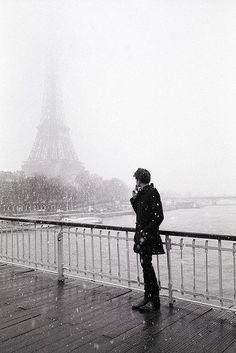 snow day in Paris