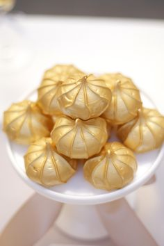 Gold Shimmer Meringue Cookies - Gold Dessert Table Idea More