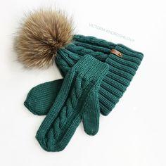 Шапка с помпоном и варежки. Зимний комплект из 100% итальянского мериноса. Очень мягкий и тёплый. Помпон: натуральный енот Gloves, Knitting, Winter, Fashion, Winter Time, Moda, Tricot, Fashion Styles, Breien