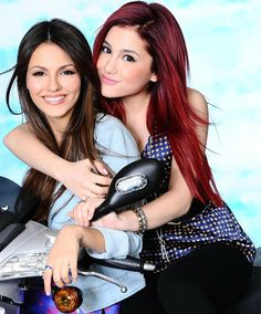 Victoria Justice Has The Final Word On Her 'Feud' With Ariana Grande Ariana Grande Gata, Ariana Grande Brother, Ariana Grande Victorious, Ariana Grande Tumblr, Ariana Grande Pictures, Victorious Actors, Nickelodeon Victorious, Icarly And Victorious, Tori Vega
