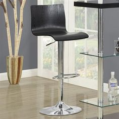Set of 2 stools.